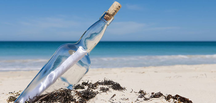 Botella en una playa